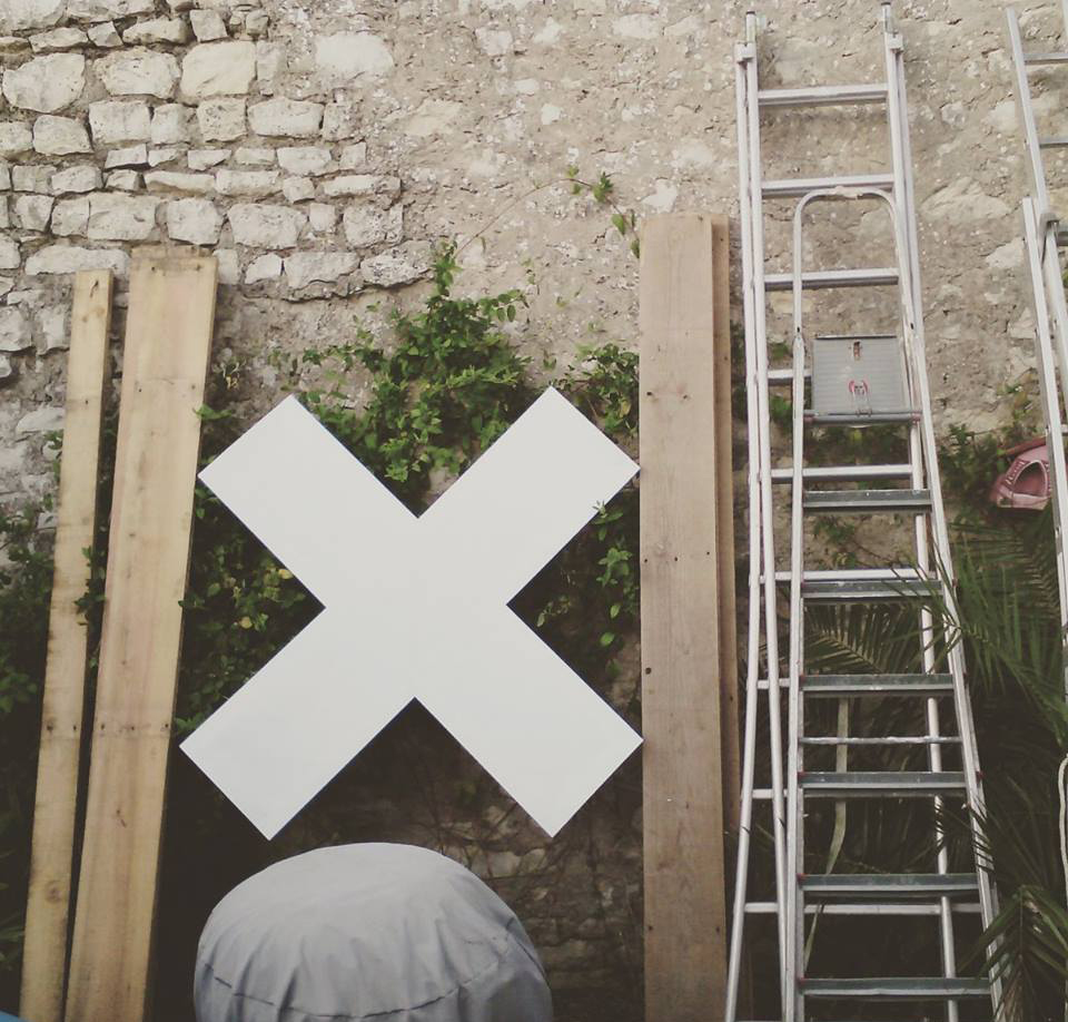 Ajustement dans le jardin de l'atelier d'Olivier ROCHEAU