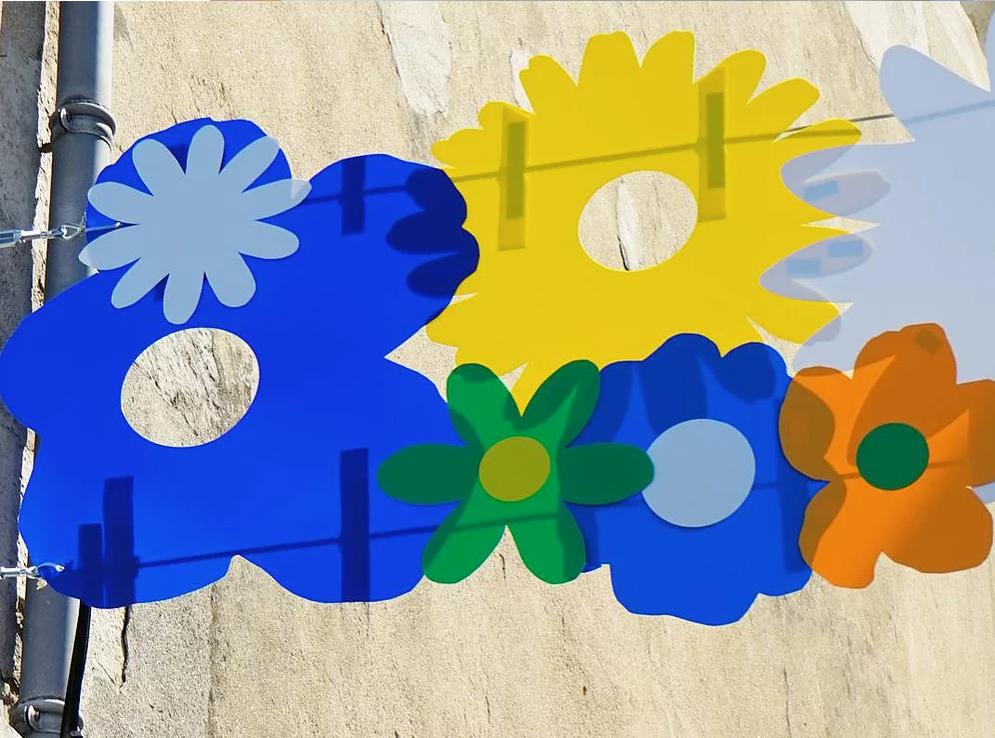 """Montage de la street Installation """"Flower Power"""" 2017 - Olivier ROCHEAU"""